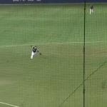 内野手は絶対見ろ!なぜ内野ゴロをショートバウンドに合わせて捕球するのか解説